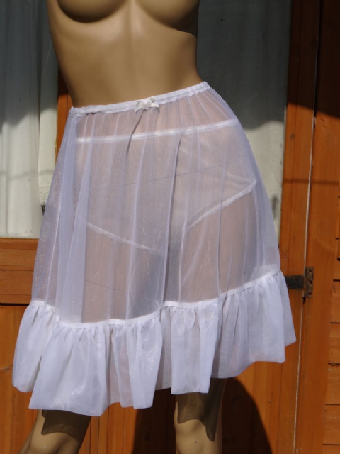 EXQUISITE HANDMADE NYLON/CHIFFON PETTICOAT   SIZE:- UK - XS/SMALL